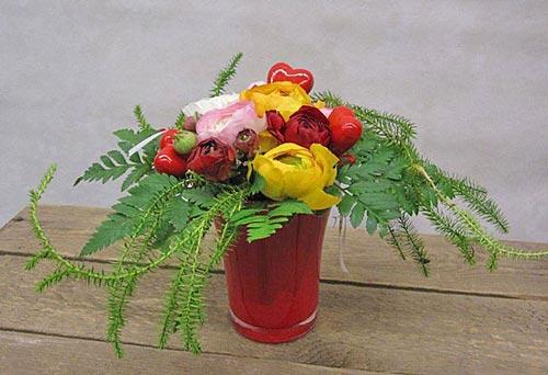 Kukkakauppa Nina Flora - pöytäkukat kotiin tai lahjaksi