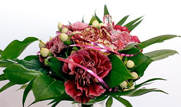 Kukkakauppa Katin Kukkanen, kimput ja kukka-asetelmat